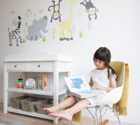 Oak-Girl-Reading-II
